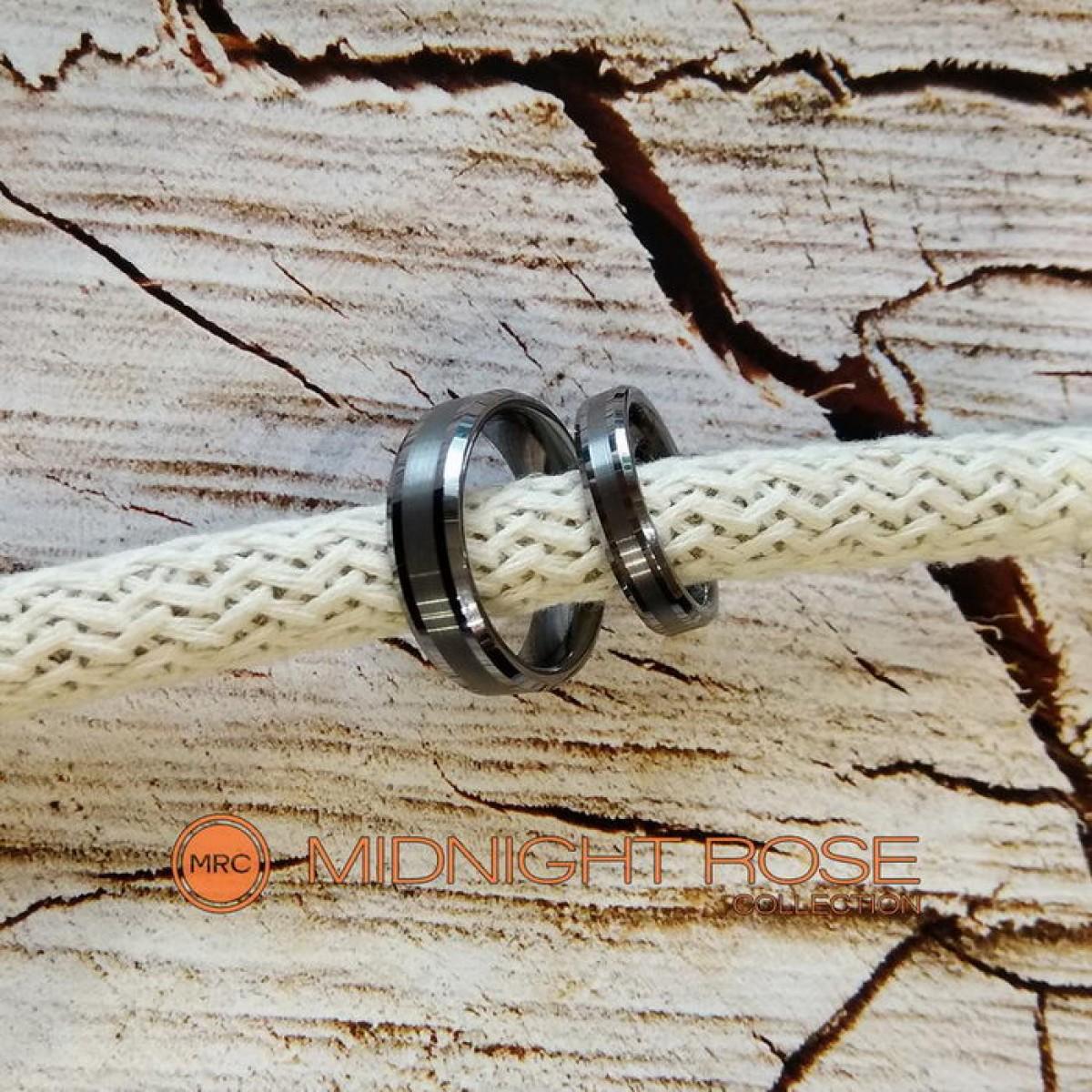Обручальные кольца серебрянного цвета фото