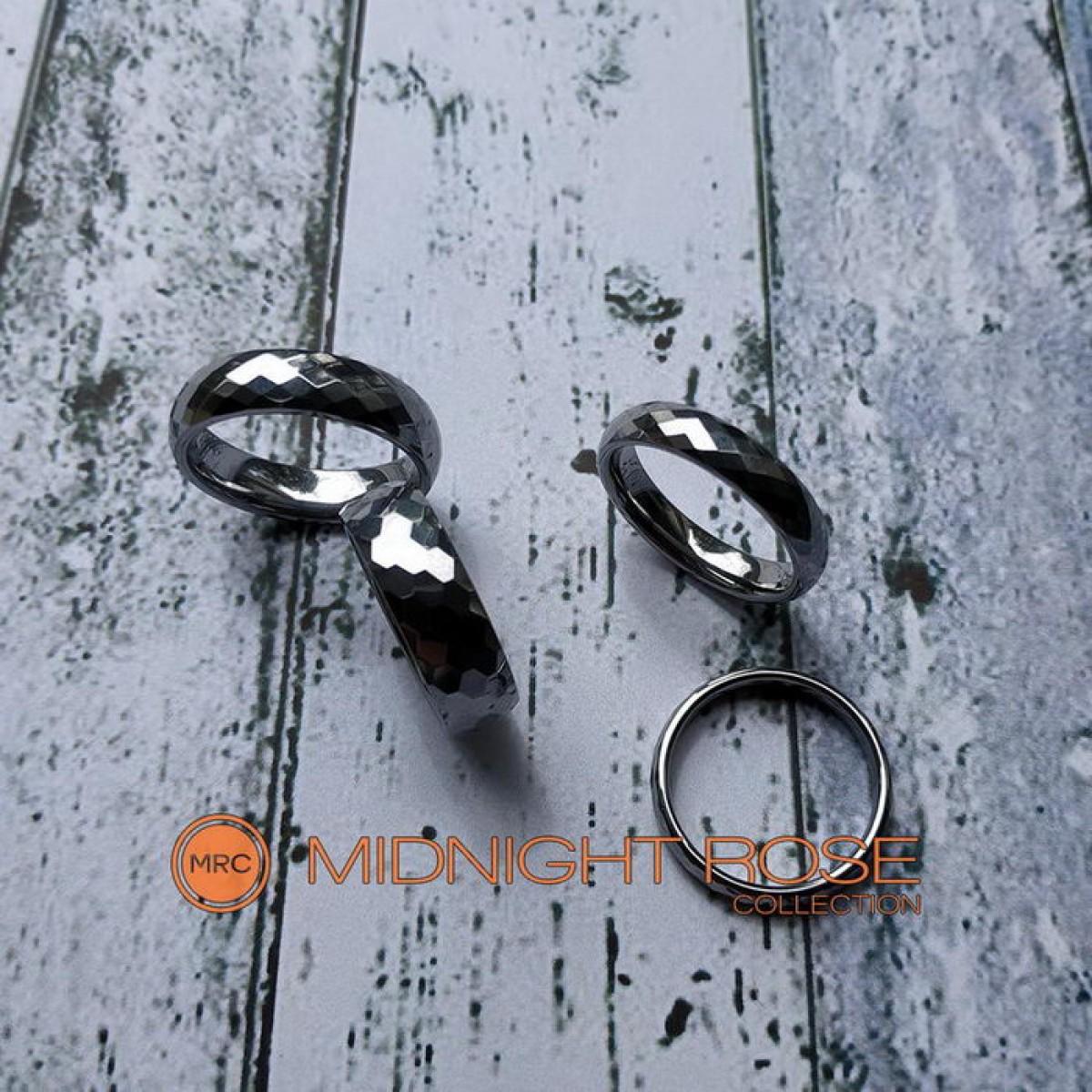 Вольфрамовое кольца с гранями фото