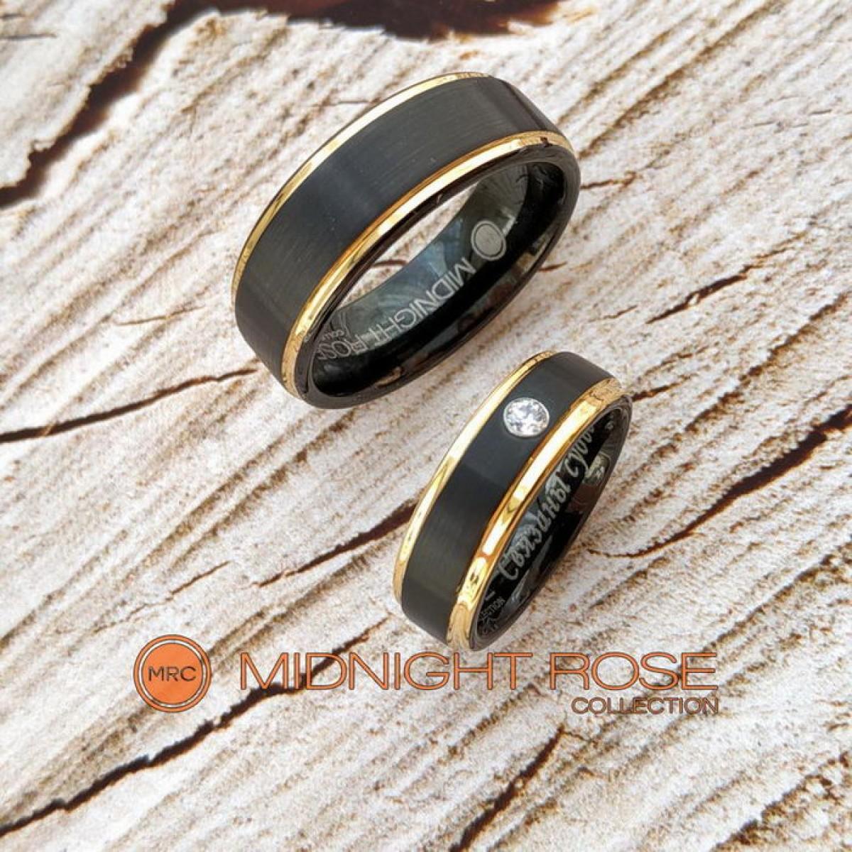 Черные свадебные вольфрамовые кольца фото с камнем